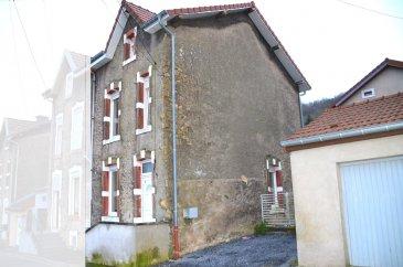 L'agence IMMO LORENA de Pétange vous propose une maison jumelée  de 100 m² habitables à Longwy-Bas (France). Ce bien se compose comme suit: - Hall d'entrée de 4,02 m2 - Cuisine ouverte de 14 m2 sur un double living de 19,15 m2  Premier étage: - WC séparé de 2,35 m2 - Salle de bain avec fenêtre  de 7,72 m2 - Une chambres de 19,26 m2  Deuxième étage: - Deux chambre de 15,02 m2 et 14,27 m2  La maison possède également d'une cave de19 m2 et des emplacements extérieurs privatifs avec la possibilité de construire un garage.  Pour tout contact: Joanna RICKAL: 621 36 56 40 Vitor Pires: 691 761 110  L'agence ImmoLorena est à votre disposition pour toutes vos recherches ainsi que pour vos transactions LOCATIONS ET VENTES au Luxembourg, en France et en Belgique. Nous sommes également ouverts les samedis de 10h à 19h sans interruption.