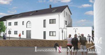 Bel appartement neuf (Lot 019) de +/- 106 m2 (Ecopass: BB) prochainement en construction dans une petite résidence à 6 unités (avec ascenseur) offrant au: Rdch: hall d'entrée spacieux, wc séparé, cuisine non équipée avec débarras séparé (de +/- 3 m2) sur living/ salle à manger donnant (de +/- 37 m2) accès à une grande terrasse (de +/- 9 m2), 3 chambres à coucher (de +/- 13 - 16 m2), salle de bains (de +/- 7 m2);  Sous-sol: cave privative, buanderie commune, chaufferie, local vélos/poussettes, 1 emplacement intérieur compris dans le prix de vente. Possibilité d'acquérir un double garage un supplément de 60.000€ (HTVA) et/ou un emplacement intérieur un supplément de 25.000€ (HTVA). Situation intéressante et ensoleillée. Tuntange, profite à la fois du calme de la région ainsi que de la proximité de Mersch (10 min) et de Luxembourg-Ville (25 min) avec toutes les commodités quotidiennes. GARANTIE DECENNALE. Le prix affiché s'entend HTVA sur la part constructions à réaliser.  Ref agence :882306