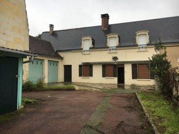 BEAUCOUP DE POTENTIEL. Maison de bourg de 148 m² comprenant : <br>au RDC : cuisine A/E, 2 chambres, pièce de vie avec cheminée de 30 m², salle de bains et wc<br>à l\'étage : 2 chambres, buanderie, salle d\'eau et wc<br>Cour sur l\'avant avec garage double et appentis.<br>Jardin sur l\'arrière. <br>Autre jardin, non attenant, avec cave de 1 000 m².<br>*Honoraires inclus charge acquéreur : 8.00% TTC (prix 80000.00 euros hors honoraires). N° portable : 0685994847, Activité exercée sous le statut d\'agent commercial