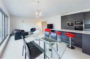 Veuillez contacter Philippe Mélard pour de plus amples informations : - T : +352 661 405 446 - E : philippe.melard@remax.lu  Appartement 3 chambres (En exclusivité) RE/MAX, Spécialiste de l'immobilier à Luxembourg, vous propose ce magnifique appartement de 119 m² habitables.   L'appartement se situe au 2? et avant-dernier étage (avec ascenseur) d'une très belle résidence de 10 appartements, parfaitement entretenue datant de 2008.  L'appartement se compose comme suit : - Un vaste salon de 38 m² donnant accès sur une terrasse de 22,47 m² - Cuisine équipée de 11,50 m² ouverte sur le séjour - Hall d'entrée de 11,50 m² - 1 chambre de 17 m² avec un accès à une SDB privative de 5 m² - 1 chambre de 12 m² - 1 chambre de 11 m² - Une salle de douche de 3,50 m²  Autres composantes de cette vente : - Cave privative de 6,6 m² - Parking souterrain de 11,98 m²  La résidence, comme l'appartement, sont très bien entretenus. Chauffage collectif au gaz. Pas de travaux à prévoir.  Frais d'agence RE/MAX : 3 % du prix de vente à la charge de la partie venderesse   TVA. Toutes les offres sont soumises à acceptation des propriétaires vendeurs.