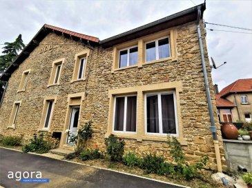 A 17km de Audun Le Roman, à Affléville, au c'ur d\'un petit village calme,<br />Venez découvrir cette charmante maison de campagne !!!<br /><br />Sur une parcelle de 486m², cette maison rénovée dispose d\'un bel extérieur, d\'une toiture en bon état et d\'une façade avec pierres apparentes et d\'un jardin clos et arboré.<br /><br />Le rez-de-chaussée vous offre : <br />Un grand espace de vie d\'une superficie d\'environ 60m² avec une cuisine équipée donnant sur terrasse et un jardin, un salon et une salle à manger. <br />Une chambre, une grande salle de douche, un cellier et une buanderie qui donne sur un garage volumineux.<br /><br />Le haut est composé de :<br />Un pallier, 5 grandes chambres, dont 2 avec mezzanine.<br /><br />En bonus : un appartement en duplex à terminer de rénover offrant de nombreuses possibilités.<br /><br />Maison idéale pour famille nombreuse ou recomposée !!!<br /><br />Honoraires inclus à charge vendeur.<br /><br />DPE en cours.<br /><br />Vous êtes intéressé ' Contactez notre agence AGORA de Briey au 03.82.20.25.26