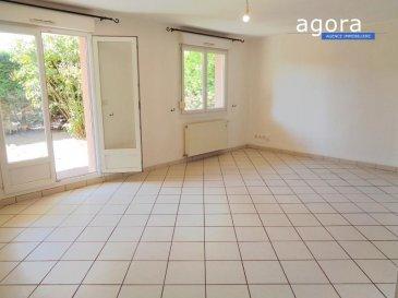 TERVILLE F3 TERRASSE JARDIN GARAGE PARKING  Agora Immobilier vous propose à Terville, un appartement F3 DE 64.70 M² en rez-de-jardin d'une petite résidence récente :  - Entrée avec placard,  - cuisine équipée ouverte sur séjour 25 m² donnant accès à la  terrasse de 10 m² et jardin de 60 m²,  - 2 chambres de 12 et 11 m² dont une donnant accès au jardin - salle de bains avec baignoire, wc,  - cellier - garage et parking  Chauffage individuel gaz (chaudière neuve), double vitrage PVC, L'appartement en bon état, il ne nécessite pas de travaux, La façade de l'immeuble sera rénovée à la charge du propriétaire vendeur. Environnement très calme situé dans une impasse quartier cimetière.   Proposé à 179 800 ' (honoraires à charge du vendeur)  A propos de la copropriété :  Charges mensuelles 70 ' - 12  Lots et appartements DPE : C  Agora Thionville : 03 82 54 77 77