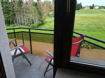 L'agence immobilière SPACEPLUS présentée par Nanda Costa (GSM 661 33 22 22) vous propos à la location un appartement de 50 m2 Adresse: 229, Val des Bons Malades L-2121 Appartement est partiellement meublé et composé comme suite: - hall d'entrée avec l'armoire vestiaire, - living avec accès sur le balcon (vue dégagée), - cuisiné équipée, - une chambre à coucher avec le parquet au sol, -salle de douche (avec une machine à laver) - une cave. - un garage box pour une grande voiture.