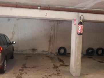 M572763 A VENDRE A METZ QUEULEU rue Joseph Henot , parking en sous sol pour une voiture ,accès facile et protégé , idéalement situé voisin de METZ GARE CENTRE POMPIDOU METZ PLANTIERE SABLON , en copropriété 130.00' de charges annuelles.  Pour plus d'informations Philippe DELAPORTE, Conseiller spécialiste du secteur, est à votre entière disposition au 06 86 27 69 62 . Honoraires à la charge du vendeur.