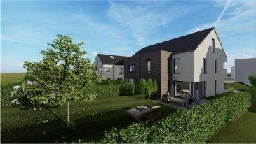 CITRA Immobilière a le plaisir de vous présenter ce nouveau projet d'une maison libre de 3 côtés sur un beau terrain plat, dans le village de Nocher, dans un environnement calme et résidentiel.   À 7 km de Wiltz et 5 de Kautenbach (Gare CFL Ligne 10 directe vers Luxembourg, parkings gratuits). Arrêt de bus à 40 m.  Hall d'entrée (18 m²) avec WC séparé, séjour / living avec espace culinaire ouvert (44 m²) donnant sur la terrasse (24 m²) et le jardin plat et sans voisinage arrière, chambre parentale avec dressing et salle de bains (24,5 m²), deux chambres à coucher (13 et 15,5 m²), salle de bains avec WC, buanderie, combles aménageables (28,9 m²), vaste garage 1 voiture (32,3 m²) avec sa toiture verte, 2 emplacements + grande allée de garage.   Construction traditionnelle, chauffage par le sol, pompe à chaleur, triple vitrage, isolations poussées. CPE : A / A.  Cadre calme et campagnard. Tout près du Lac de la Haute-Sûre.  Prix de vente clé en mains (TVA 3 %) : 645.000,- €. En gros œuvre fermé (TVA 3 %) : 445.000,- € [Toutes les finitions à faire par vous-même à votre gré ou selon vos possibilités ou votre agenda].  Terrain de 4,97 ares, dont ± 2,70 ares de surface verte.  Centre commercial de Pommerloch (Knauf Center avec grandes surfaces traditionnelle et hard discounters, et tous les commerces utiles : alimentation, vêtements, pharmacie, optique, home decor, brico, petcare, pompes à essence, car-wash, ...) à 11 km.  À 26 km d'Ettelbruck ou de Bastogne.  Pour de plus amples informations : Axel LEHSSNI, 691 231 299.