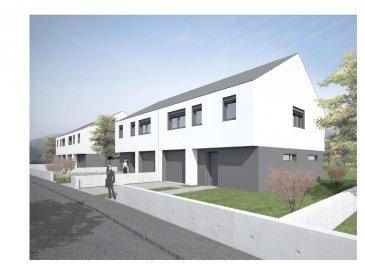 NEWHOUSE vous propose en collaboration avec EGLUX une maison jumelée avec classe énergétique AA,  construction traditionnelle luxembourgeoise et finitions haut de gamme, 170 m2 habitables (120 m2 habitables + grenier aménageable additionnel de 50 m2).  La maison se compose de :  - au rez-de-chaussée :  -cuisine -grande living/salle à manger donnant sur la terrasse -WC séparé -terrasse de 18m2 -jardin   - premier étage :  -1 chambre parentale avec salle de bains  -2 chambres  -salle de bains  - combles de 80m2 (50m2 habitables) à aménager selon besoins  Vente sur plans permettant une grande flexibilité d'aménagement Cahier de charge disponible auprès de NEWHOUSE et de EGLUX Constructions SA
