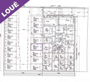 A.S. Real Estate vous propose à la location un emplacement de parking intérieur de +/- 14.72m².   Celui-ci se situe au sous-sol de la Rés. Kayldall, 70, rue de Tétange à Kayl.  Pour de plus amples informations ou pour convenir d'une visite, n'hésitez pas à nous contacter au (+352) 621 274 674 / 2776 4776 ou à info@as-estate.lu