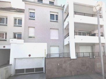 appartement F2 de 59 m2 avec terrasse 21 M2 à ERSTEIN.  Grand appartement T2 de 59 m2 en rez- de-chaussée surélevé avec sa belle terrasse couverte de 21m2 accessible par le séjour et la cuisine. Chambre de 12 m2. Salle de bain avec baignoire et WC séparé. Placards de rangements dans l'entrée. Très bon état général. Situé à ERSTEIN, environ 20 min de Strasbourg. Résidence récente et sécurisée de bon standing avec espaces verts. Quartier de la Filature, rue Louise Weiss. A proximité des commerces, de la Piscine municipale et de la Médiathèque. Chauffage gaz individuel. Avec cave et possibilité de garage fermé hors gel en sous-sol. (Garage en supplément au prix de 10500EUR)  Visite de l'appartement les samedis de 11h00 à 16h00  Charges prévisionnelles annuelles: 950 EUR  Copropriété de 29 lots / pas de procédure en cours  Classe énergie C  GES D    Prix appartement: 109500EUR  Prix garage en supplément : 10500EUR