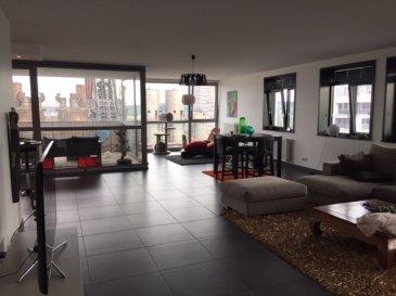 Sublime Penthouse ;  - Hall d'entrée  - Cuisine équipée - Débarras - Grand salon/living - Hall de nuit - 3 chambres à coucher  - 2 salles de bains  - WC séparé - Buanderie - Balcon - Terrasse  -Cave  - 2 emplacements de parking   Les surfaces et les superficies affichées sont indicatives.  Nous vous invitons à nous rendre visite ou contacter l'un de nos commerciaux pour plus d'informations.  Mr. Marc Risch 621210333  Mr. Jemp Moura 621216646    Rejoignez-nous sur Facebook : Newjomar Belval