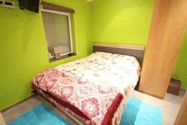 FR Homeseek Belair et Daniel Marques (+352 691 922 810) vous présentent une petite maison à très bas coût de charges (environs 130€ par mois), rénovée de +/- 50m² habitables sur deux étages.  Située à Differdange, près de toutes commodités elle se compose comme suit :   - Rez-de-chaussée :Une cuisine complètement équipée ouverte vers l'espace vie, avec un petit espace de rangement.  - 1er étage : une chambre d'environs 14m2 et une salle de douche avec wc.  À ce bien s'ajoute encore un espace de rangement fermé a l'extérieur de la maison et une cour privative.  N'hésitez pas à nous contacter au 691 922 810 pour plus d'informations ou pour prendre rendez-vous, ou par e-mail: dmarques@homeseek.lu  Si vous louez ou vendez votre bien, ne tardez pas à me contacter pour que je vous aide dans vos démarches  PT Homeseek Belair e Daniel Marques (+352 691 922 810) apresentam-lhe ume pequena casa de baixo custo de charges (a volta de 130€ por mês), renovada de +/- 50m² habitaveis de 2 andares..  Situada em Differdange, perto de todas as comodidades, ela é composta de:  - Rez-de-chão: Uma cozinha completamente équipada aberta para o espaço de vida, com um pequeno espaço de arrumos.  - Primeiro andar: Um quarto de +/- 14m2 e uma casa de banho com duche e wc  Junta-se ainda a este bem um espaco de arrumos fechado no exterior da casa e um pátio privado.  Não hesite em nos contactar para o 691 922 810 para mais informações ou para uma visita, ou por email: dmarques@homeseek.lu  Se pretende alugar ou vender o seu bem, nao tarde em me contactar para que eu o ajude em todos os passos.    Ref agence :4921744-HB-DM