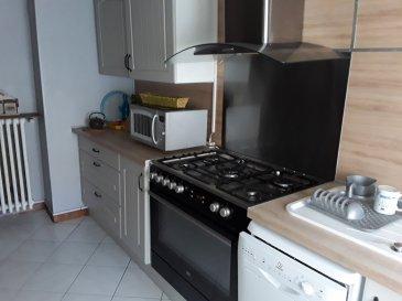 Maison F5 - 20 Km de METZ .  Mieux qu\'un appartement, venez découvrir cette petite maison au calme à 20 km de Metz, à proximité se SANRY SUR NIED et de PANGE, se composant d\'une cuisine équipée, une salle à manger avec poele à bois, petit salon, salle de bains, WC séparé, 3 chambres, une chaufferie, une cave, un atelier, un grand garage avec grenier, Double vitrage et isolation. Pompe à chaleur/faible consommation.<br> Une terrasse sans vis-à-vis + un petit extérieur latéral vue plein champs.<br> AGENCE VENNER 03.87.63.60.09/06.37.62.27.13.