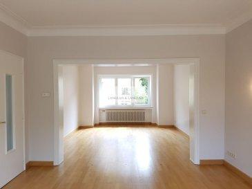 -- FR --<br/><br/>Langlais&Langlais Real Estate à Luxembourg vous proposent en location exclusive:<br><br>Très belle maison de maître avec grand jardin, cinq chambres sise Rue Evrard Ketten à Luxembourg-Limpertsberg.<br>Le rez-de-chaussée offre un grand living/salle à manger avec accès à un grand jardin ainsi qu\'une cuisine séparée.<br><br>Les deux étages supérieurs disposent de cinq lumineuses chambres ainsi que de deux salles de bain avec fenêtre.<br>Parquet d\'époque rénové.<br>Un grenier se trouve au-dessus.<br>Grandes cave et garage.<br><br>Visites sur dossier uniquement.<br/><br/>-- EN --<br/><br/>Langlais et Langlais Real Estate in Luxembourg proposes for rent in Luxembourg-Limpertsberg, Rue Evrard Ketten:<br><br>Classic renovated house with a large garden offering five bedrooms and two bathrooms.<br>The ground floor features a large living / dining room with access to a large garden and a separate fully equipped kitchen.<br><br>The two upper floors have five bright bedrooms and two bathrooms with windows.<br>Period renovated wooden floors.<br>Attic.<br>Large cellar and garage.<br><br>Visits by appointment and submitted to a client\'s file presentation.<br><br />Ref agence :5289865