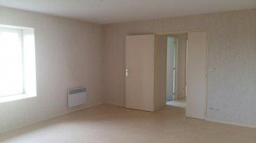 Appartement au calme, comprenant entrée, cuisine, spacieux séjour, 2 chambres, salle de bains et WC. Libre de suite.