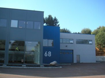 joli bureau dans construction récente à 5 km de l'autoroute Luxembourg-Arlon grand parking gratuit devant bâtiment climatisation  CHARGES FIXES