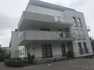 RE/MAX spécialiste de l'immobilier à Strassen vous propose un joli appartement partiellement meublé à louer.  L´appartement se compose comme suit : Un hall d'entrée, un WC séparé, un grand espace living, une cuisine équipée, une chambre, une salle de bains et un débarras.  Le living donne accès sur une terrasse avec petit jardin (commun).  L´appartement dispose aussi d´un garage, d´une cave et peut être loué avec ou sans meubles.  Possibilité d´acquérir un parking supplémentaire à l´extérieur.  La propriété se situe à quelques pas de toutes commodités : autoroute, bus, commerces, centres commerciaux, pharmacie, restaurants, supermarché, hôpital, stations-essence...  Durée du bail: 1 an  Contact: Caroline Goebel Tel: 621 40 60 62 Mail. caroline.goebel@remax.lu
