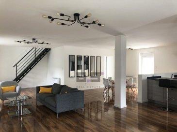 A.S. Real Estate vous propose cette belle maison entièrement rénovée avec style en 2020 et située sur un terrain de 3 ares 78 à Thionville, proche de toutes commodités et des axes autoroutiers. Celle-ci propose de très beaux volumes ainsi que des prestations de haut standing.  La surface de ce bien est répartie sur 2 niveaux.  Au rez-de-chaussée, vous trouverez l'entrée principale donnant accès au grand espace de vie de +/- 75m². Celui-ci est aménagé d'une cuisine entièrement équipée avec un îlot et ouverte sur un séjour et salle à manger. Il se complète d'une buanderie avec accès au jardin et d'un w.c. séparé.  À l'étage, vous trouverez un hall de nuit déservant une salle de douche de +/- 6.20m² entièrement équipée avec w.c., quatre grandes chambres de +/- 21.50m², 20m², 18.50m² et 9.50m² dont une aménagée d'une salle de douche ouverte et équipée. Chaque chambre bénéfice de raccordements à la télé et à internet.  Le revêtement de sol est en parquet vitrifié et mosaïque haut de gamme. Elle est équipée de fenêtres à double vitrage, de volets motorisés et d'un visiophone.  Elle bénéficie également d'un jardin avec terrasse, d'un garage avec porte motorisée donnant accès à l'intérieur de la maison et d'environ cinq emplacements extérieurs.  Contactez-nous rapidement au (+352) 621 274 674 / 2776 4776 ou par email à info@as-estate.lu pour convenir d'une visite.