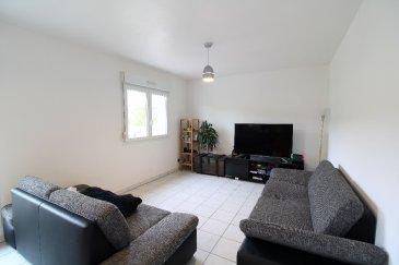 Appartement  F5. En Exclusivité à Klang, petit village à seulement 2 km de Kédange sur canner, dans une impasse calme, nous vous invitons à découvrir cet appartement F5 de 97 m2 en rez de chaussée d\'un petit immeuble .<br/>Dans cet appartement lumineux, vous profiterez d\'une pièce de vie ouverte sur une cuisine équipée et d\'un cellier, un accès à la terrasse bien exposée de 3O m2, trois belles chambres, salle de bain, wc séparé et buanderie.<br/>Copropriété de 17 lots (Pas de procédure en cours).<br/>Charges annuelles : 12.00 euros.