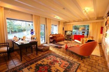 L'agence Property Invest vous propose:   A vendre une maison d'habitation libre de quatre côtés (construction en bois et en briques des années 80) sur un magnifique terrain de 19,10 ares dans la commune de Schrassig.   La maison se situe dans une cité résidentielle très tranquille grâce à une impasse et offre une surface habitable de +- 170 m2 aux abords de la forêt.  La maison se constitue comme suit:  Au sous-sol:  - Chaufferie - Salle de douche - Cave à vin - Buanderie - Pièce à multi-usage - Atelier  Au rez-de-chaussée:  - Halle d'entrée - WC séparé - Séjour - Cuisine équipée avec 3 fours - Salle à manger - Double garage   A l'étage:  - 2 chambres à coucher - Balcon - Salle de bain avec WC séparé - Accès grenier  Equipements techniques:  - Chauffage au mazout - Nouveau réservoir de mazout - Triple vitrage - Nouvelle cuisine de 2014 - Alarme - Pente d'accès chauffée  N'hésitez pas à nous contacter pour des informations supplémentaires.  Cordialement  Property Invest Team +352 671 888 777  www.propertyinvest.lu