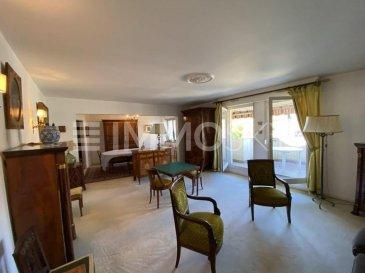 M572963 A VENDRE A MONTIGNY LES METZ ,  APPARTEMENT F6   DE 149M² avec terrasse et balcon et 2 places de parking en sous sol au 4 éme étage avec ascenseur<br><br>A SAISIR EN EXCLUSIVITÉ, au centre de MONTIGNY LES METZ , Cet appartement offrant  , un séjour de 45M² avec accès à la terrasse de 14M² , une cuisine équipée avec cellier attenant , 2 WC , une salle de bains et pour l\'espace nuit 4 chambres dont une avec sa salle de douche .<br><br>Au sous sol , un cellier et 2 places de parking privé complètent cette offre d\'Achat à 10 minutes de Metz centre<br><br>Dans résidence soignée , de standing , idéal famille  , A SAISIR , en exclusivité proche des commerces , et des écoles et des transports en communs<br>Visite sur RDV au 0686276962 Philippe DELAPORTE  Pour plus d\'informations Philippe DELAPORTE, Conseiller spécialiste du secteur, est à votre entière disposition au 06 86 27 69 62 .<br>Honoraires à la charge du vendeur.
