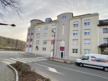 Bel appartement à vendre <br><br>Idéalement situé au centre de Pétange dans une rue calme et à proximité des transports publiques, magasins, médecins, etc.<br><br>Description : <br><br>- RDCH <br>- 128m2<br>- Année de construction 2007<br>- Classe énergétique E E<br>- Hall d\'entrée <br>- Grand salon avec accès à la terrasse <br>- Cuisine ouverte<br>- 2 chambres à coucher<br>- Salle de douche<br>- WC séparé<br>- Cave<br>- emplacement intérieur<br><br>Disponibilité : à convenir<br /><br />Nice apartment for sale<br><br>Ideally located in the center of Pétange in a quiet street and close to public transport, shops, doctors, etc.<br><br>Description:<br><br>- RDCH<br>- 128m2<br>- Year of construction 2007<br>- Energy class E E<br>- Entrance hall<br>- Large living room with access to the terrace<br>- Open kitchen<br>- 2 Bedrooms<br>- Bathroom<br>- separate WC<br>- Cellar<br>- indoor location<br><br>Availability: to be agreed