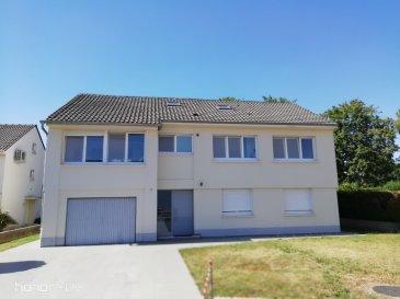 Montigny-lès-Metz Investisseurs  F2 loué, état neuf. Dans une copropriété  très bien tenue de 3 lots, au rez-de chaussée, un appartement composé d\'une entrée, un séjour, une chambre,une cuisine équipée, une salle d\'eau, un wc. une buanderie et un jardinet.<br/>Loué  667€  plus 10 euros en charge forfait.