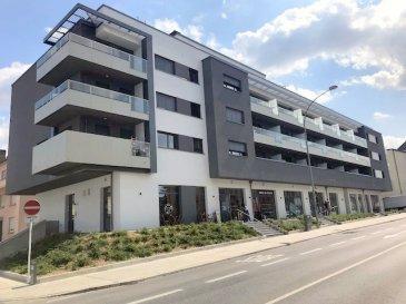 Très beau et lumineux studio avec balcon et une vue panoramique, il 's'agit d'une nouvelle construction et une 1er location. Situé à l'adresse 85D, Route de Thionville, L-2611 Luxembourg au 3ème étage, avec une surface habitable de 43,40m2 et un balcon de 8m2,   se compose comme suit : - Hall d'entrée avec des placards encastrées  - Pièce à vivre avec cuisine équipée (frigo, four, plaque, hotte,...) - Salle de douche  - Balcon de 8m2 - Un emplacement intérieur   Divers : - Disponibilité immédiate - CDI exigé - Offre à saisir rapidement  A proximité de tout type de commerces, de transports publics et de toutes les infrastructures nécessaires.  Loyer : 1'180.- Euros Charges : 120.- Euros Caution : 2'360.- Euros Commission d'agence : (1'180.-+ 17%TVA)  Pour tout complément d'information, n'hésitez pas à nous contactez par téléphone au 28 77 88 22. Nous sommes également disponibles pour organiser les visites le samedi !  Nous sommes, en permanence, à la recherche de nouveaux biens à vendre (des appartements, des maisons et des terrains à bâtir) pour nos clients acquéreurs. N'hésitez pas à nous contacter si vous souhaitez vendre ou échanger votre bien, nous vous ferons une estimation gratuitement.  Ref agence :108