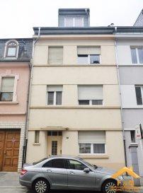 F&N Promotion präsentiert Ihnen ein teilweise renoviertes Haus in Esch-sur-Alzette mit einer Wohnfläche von 244m2 - 2 Gehminuten von der