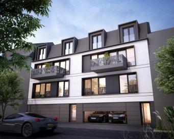 C'est dans le quartier recherché de Luxembourg-Weimerskich que sera construite cette belle maison bi familiale, 3 étages, comprenant 1 appartement et 1 duplex (fin des travaux prévue pour début 2023).  Au 1er étage, vous y trouverez votre futur appartement de ±60 m² dont ±50 m² habitables, agencé de la manière suivante: Un hall d'entrée de ± 5 m² dessert le séjour ± 21 m² avec en suite la cuisine équipée ±8 m², 1 chambre ± 11 m², au calme , à la hauteur du jardin, 1 salle de douche ±3 m² (douche, lavabo et wc). L'atout de cet appartement est son jardin ±17 m², accessible par une petite terrasse de 3 m².  Au rez-de-chaussée : un emplacement ±16 m² dans le garage privé et un local poubelles.  Au sous-sol : l'appartement bénéficie d'une cave de ± 7 m². Les pièces communes sont la buanderie, la chaufferie et 2 locaux techniques.  Détails complémentaires:  Passeport énergétique – *A-A*; Meubles cuisine et salle de douches de marque et de qualité; parquet et carrelage luxueux; Vidéophone; Rangement (placards); Animaux acceptés; Proximité des transports en commun, crèche et écoles, restaurants, commerces, Institutions européennes et centre ville. Prix : 893.594€ , - (TVA à 17 % comprise)  Contact : Maurits van Rijckevorsel +352 621.198.891 ou maurits@vanmaurits.lu