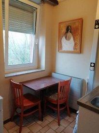 Pour le Français, VOIR EN BAS S.V.P. ! English : Furnished studio with separate kitchenette ; Shower room; Private toilet; 12 minutes walk to