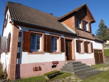Maison 7 pièce(s) 140 m². Coup de coeur pour cette maison individuelle en pierres à 7 km de Wingen sur Moder. 7 belles pièces, salle de bain  / Wc et cuisine donnant directement  accès sur l\'extérieur (à l\'arrière avec coin terrasse), grenier, sous sol, dépendance non attenante  d\'environ 20m², terrain de 11 ares . Beau potentiel. Secteur Lemberg, axe Wingen sur Moder.<br/>Contact Nord Sud  immobilier à Rohrbach Les Bitche Au 03 87 96 33 84 ou à Bitche AU 03 87 27 01 80 Ou à Sarreguemines Au 03 87 02 83 36
