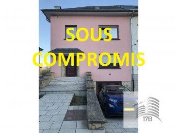 ***** SOUS COMPROMIS *****  Maison libre de 3 côtés avec une surface d'environ 170m2, érigée sur un terrain de 3a 76ca et composée comme suit :  Rez-de-chaussée (65 m2) : hall d'entrée, salon, salle à manger, cuisine équipée avec accès à la terrasse.  1ier étage (65 m2) : hall de nuit, salle de bain, douche, 3 chambres à coucher (16,60 m2, 15,80 m2, 10,40 m2).  2ième étage (65 m2) : 1 pièce et grenier aménageable.  Sous-sol (65 m2) : chaufferie, plusieurs caves, buanderie et garage.  Extérieur : jardin et 1 emplacement devant la maison  Infos : dalles en béton, toiture refaite il y a environ 2 ans.  Pour tous renseignements supplémentaires ou pour convenir un rendez-vous pour une visite, veuillez nous contacter par téléphone au (+352) 691 400 705 ou par mail : info@17b.lu