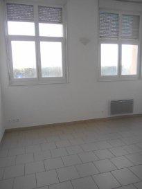 BEAUX VOLUMES  Réf: 5708  Appartement de 65 m² secteur Berck Plage sans extérieur:   Séjour, cuisine indépendante non équipée, salle de bains, wc et à l\'étage: 1 grande chambre.  Loyer: 520 € Charges: 40 € (ordures ménageres   entretien des communs). Possibilité d\'une place de parking pour 10 €  1 mois de caution   frais d\'agence: 600€  Libre  Ref: 5708