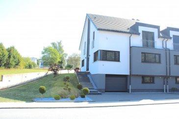 !!!!!!!!! Maison exceptionnelle situées à Oberpallen !!!!!!          +++Cette maison offre un cadre de vie très cosy,  chaleureux, intime et tranquille+++   Superbe maison de HAUTE GAMME avec une surface habitable de 215m2 sis sur un terrain de 4.50ares arboré à Oberpallen section de la commune luxembourgeoise de Beckerich située dans le canton de Redange vis à vis du Centre commercial Pall center.           Agence comme suit:  - hall d\'entrée - cuisine complètement équipée avec un équipement de qualité, séparé. - salle à manger spacieuse et lumineuse  - salon chaleureux donnant vers une grange terrasse et jardin  - 4 chambres à coucher, dont une avec dressing - 2 salles de bain  - bureau/chambre d\'amie - cave, espace fitness  - grand garage  - nombreux parkings  - Terrasse aménagée - abri de jardin Localisation :  Oberpallen se situe à l\'Ouest du Luxembourg.  Pour plus de renseignements ou une visite (visites également possibles le samedi sur rdv), veuillez contacter le 691 850 805. Ref agence : 432