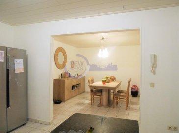 *** Sous Compromis *** New keys vous propose à la vente ce bel appartement de +/- 94m2 situé au RDC d'une copropriété bien entretenue de seulement 2 unités, au coeur du paisible village de Altwies (commune de Mondorf-les-bains).  L'appartement se se compose de la manière suivante:  Hall d'entrée  Cuisine équipée ouverte et équipée Salle à manger  Séjour avec accès sur une belle terrasse d'environ 27m2 Salle de bain spacieuse avec toillettes 2 chambres (+/- 10 m2 et +/- 14m2) Buanderie privative  Pour compléter ce bien vous profiterez à titre privatif agréable jardin privé cloturé d'environ 22m2, et d'une cave.  Facilités de parking devant l'appartement.  Proche de toutes les commodités (supermarchés, crèches, parcs, centre thermal ...), l'appartement profite d'un environnement offrant une agréable qualité de vie.  Pour plus d'informations et /ou visites, veuillez nous contacter au 27 99 86 23 ou par email à l'adresse info@newkeys.lu