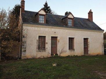 .  Maison intérieur rénovée. Elle est située au calme dans un hameau. Elle se compose d\'une cuisine ouverte sur séjour, salon équipée d\'une cheminée avec poêle à bois, 1 chambre, une grande salle de bains, WC et une autre pièce (chambre bb ou bureau). A l\'étage : Palier, 3 chambres, 1 pièce pouvant servir de futur salle d\'eau, WC. Buanderie, bâtiment avec grenier. Cave. L\'ensemble sur 2065m2.