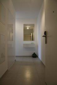 Nous avons le plaisir de vous proposer un un bel appartement en location, d\'une surface d\'environ  40m2, meublé et entièrement équipé, il se compose comme suit:<br><br>- Cuisine équipée ouverte sur living et salle à manger ;<br>- 1 Chambre ;<br>- Salle de bain ;<br>- Terrasse meublée de 14m2 ; <br>- Buanderie équipée (lave linge/sèche linge)<br>- Garage et cave en option.<br><br>Charges comprises (service de nettoyage, électricité, wifi, télévision...)<br><br>Frais d\'agence à la charge de la partie Locataire : 1 mois de loyer + 17% TVA. <br><br>Pour plus de renseignement veuillez contacter l\'agence.<br><br><br /><br />Wir haben das Vergnügen, Ihnen eine schöne Wohnung zu vermieten, mit einer Fläche von ca. 40m2, möbliert und komplett ausgestattet, es besteht wie folgt:<br><br>- Offene Küche mit Wohnzimmer und Esszimmer;<br>- 1 Zimmer;<br>- Badezimmer;<br>- Möblierte Terrasse von 14m2; <br>- Ausgestatteter Waschraum (Waschmaschine/Wäschetrockner)<br>- Garage und Keller.<br><br>Einschließlich Nebenkosten (Reinigungsservice, Strom, WLAN, Fernseher usw.)<br><br>Agenturkosten zu Lasten des Mieterteils: 1 Monat Miete + 17% MwSt. <br><br>Für weitere Informationen wenden Sie sich bitte an die Agentur.<br><br /><br />We are pleased to offer you a beautiful apartment for rent, with an area of about 40m2, furnished and fully equipped, it consists as follows:<br><br>- Kitchen equipped open to living and dining room;<br>- 1 House;<br>- Bathroom;<br>- 14m2 furnished terrace; <br>- Equipped laundry (washing machine/dryer)<br>- Garage and cellar optional.<br><br>Charges included (cleaning service, electricity, wifi, television...)<br><br>Agency fees payable by the Tenant : 1 month\'s rent + 17% VTA.<br><br>For more information, please contact the agency.