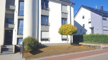 Immo Nordstrooss vous propose un très bel appartement de 82m2 lumineux avec balcon à Sandweiler !  L\'appartement se situe dans une rue calme et proche de toutes commodités et d\'une ligne de bus.   Il se compose:  - d\'un grand séjour très lumineux avec cuisine équipée, - un balcon de 5 m2,  - 2 très belles chambres de 11 m2 et 14 m2 avec grand placard intégré,  - Une salle de bain spacieuse avec baignoire et double vasque,  - WC séparés, - Au sous-sol : une place de parking ainsi qu\'une cave privative.  Venez vite le découvrir !   Pour plus de renseignements ou une visite (visites également possibles le samedi sur rdv), veuillez contacter le 691 850 805. Ref agence : 510