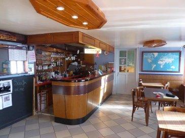 ---------------- TEL: 06.150.144.36 -------------<br> CHATEAUX SALINS : 110 000 € FAI<br>A vendre, immeuble comprenant un appartement type F4, 4 chambres d\'hôtels, un café restaurant  LICENCE IV.<br><br><br />Ref agence :2284270