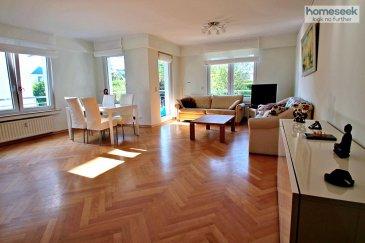 Contactez Pascal au +352 661 789 005<br><br>Homeseek Belair vous propose ce très bel appartement, 2 chambres, d\'une surface habitable de ± 100 m², entièrement meublé et équipé, au premier étage avec ascenseur d\'une résidence située au calme à Fentange. L\'appartement est très lumineux et dispose d\'un balcon/terrasse de ± 5,76 m². Un emplacement en sous sol et une cave de ± 5 m² complètent cette offre.<br><br>Il se compose comme suit :<br>- Hall d\'entrée et couloir de ± 14 m² avec placard intégré,<br>- Grand living de ± 32,45 m² (double exposition orienté Sud/Ouest) donnant sur un balcon/terrasse de ± 5,76 m² (orienté Sud/Ouest) situé à l\'arrière de la résidence, <br>- Cuisine toute équipée séparée de ± 10 m²,<br>- 2 chambres à coucher de 15 m² et 12,50 m²,<br>- Salle de bain de ± 8 m² avec fenêtre (baignoire, douche, vasque et WC).<br><br>Entièrement meublé (inclus) :<br>- Living : table 6 places, 6 chaises, 2 sofas, table basse, grande commode, bureau et chaise de bureau,<br>- Cuisine : four, plaques à induction, réfrigérateur, micro-onde, hotte aspirante,<br>- Chambre 1 : lit 180 cm, très grande armoire penderie sur mesure,<br>- Chambre 2 : deux lits enfants 80 cm, armoire penderie, bureau et chaise de bureau,<br><br>- Double vitrage,<br>- Parquet dans toutes les chambres,<br>- Buanderie commune avec machine à laver le linge (incluse dans la location).<br>- Volets électriques,<br>- Vidéo-parlophone,<br>- Année de construction 1997,<br>- Appartement rénové en 2019,<br>- Chauffage au gaz.<br><br>- Charges mensuelles : 250 € (sans électricité et internet),<br>- Garantie locative : 2 mois de loyer,<br>- Frais d\'agence : 1 mois de loyer + 17 % TVA (à la charge du locataire).<br><br>- Disponibilité : 1er décembre 2020.<br><br>Distances : <br>- Centre-ville : ± 8 km, 15 min,<br>- International School : ± 7 km, 14 min,<br>- Autoroute A4: ± 6 km, 12 min, <br>- Gare de luxembourg : ± 6 km, 10 min, <br>- Kirchberg : ± 13 km, 15 min,<br>- Cloche d\'Or : ± 4,5 km, 8 min.