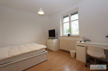 Bellissima Rooms vous propose à la location 3 chambres meublées situées dans un appartement au c?ur de Luxembourg Gasperich, à 5 minutes de la Cloche d'Or et Bonnevoie et 10 minutes de Luxembourg centre ville. Un arrêt de bus se trouve à 2 minutes de marche de l'appartement.  Vous trouverez à proximité de nombreux commerces (pharmacie, boulangerie