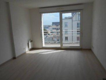 Réf: 5755  Appartement de 42 m² exposé sud avec balcon à deux pas de la plage au 3ème étage d\'une belle résidence avec ascenseur:   Entrée, séjour avec coin cuisine équipée, salle d\'eau, wc et 1 chambre avec placard.  L\'appartement dispose d\
