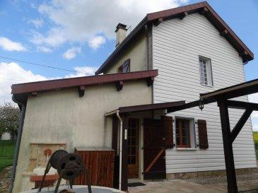 POUILLY SUR MEUSE, Maison d\'habitation - Petite maison d\'habitation comprenant :   Au rez-de-chaussée : cuisine équipée, salon avec cheminée, salle d\'eau avec w.c.;  A l\'étage : 2 chambres, grenier ; Garage, terrasse couverte ; Terrain. Le tout sur une superficie de 06a 34ca. -80250,00 E  ( frais de négociation  charge vendeur) REF POUDEG