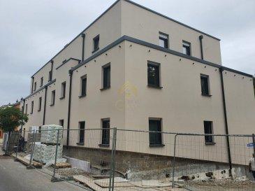 REAL G IMMO vous propose un appartement en futur état d\'achèvement à Mondorf Les Bains situé dans une rue calme.<br><br>Il dispose d\'une surface utile de +/- 81.99m². La résidence est en cours de construction et sera achevée fin 1er trimestre 2021.<br><br>Celui-ci se compose comme suit :<br>* Hall d\'entrée,<br>* Cuisine équipée inclus,<br>* Living/salle à manger,<br>* Hall de nuit,<br>* 1 chambre de +/-12.97m²,<br>* Salle de bain avec wc,<br>* 1 Chambre parentale de +/-17.15m² avec salle de bain de +/- 4.18m²,<br>* une cave,<br>* un emplacement intérieur.<br><br>Pour plus d\'informations, nous restons à votre disposition ou pour une présentation du projet au 28 66 39 1.<br><br>Les prix s\'entendent frais d\'agence de 3% TVA 17% inclus.<br>