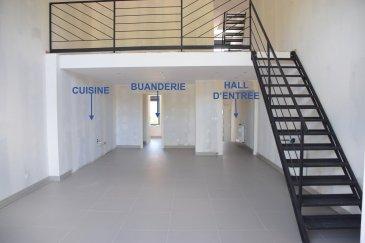 L'agence IMMOLORENA de Pétange vous propose une jolie maison mitoyenne toute rénovée ENTRE 2019 ET 2020, située à Villers La Montagne (FR) avec une superficie totale de 120 habitables, elle se compose comme suit:  Rez-de-chaussée: - Un hall d'entrée de 4,97 m2 - Wc séparée de 1,93 m2 - Double living avec cuisine ouverte de 42 m2  donnant accès a la terrasse de 12,75m2 et au jardin de 25,73 m2 - Buanderie de 6,15 m2  Premier étage:  - Mezzanine ou bureau de 13,42 m2 - Un hall de nuit de 7,28 m2 - Chambre parentale de 14,50 m2 et salle de douche de 2,46 m2  Deuxième étage: - Hall de nuit de  2,25 m2 - Une chambre de 11,55 m2 - Deuxième chambre de 14,16 m2 - Une salle de bain avec baignoire de 4,65 m2  3% du prix de vente à la charge de la partie venderesse + 17% TVA Pas de frais pour le futur acquéreur   A VOIR ABSOLUMENT.....  CARACTERISTIQUES DE LA MAISON:  MAISON COMPLETEMENT RENOVEE ANNEE 2020 NOUVELLE TOITURE EN TUILES  NOUVELLE CHAUDIERE AU GAZ FENETRES DOUBLE VITRAGE DE LA MARQUE SCHUCO PARKING AISE, DANS LA RUE, DEVANT LA MAISON + GRANDE FACILITE DE PARKING EN FACE OU DEVANT LA MAIRIE, A 30 METRES DE LA MAISON  Pour tout contact: Joanna RICKAL: 621 36 56 40 Vitor Pires: 691 761 110 Kevin Dos Santos: 691 318 013  L'agence ImmoLorena est à votre disposition pour toutes vos recherches ainsi que pour vos transactions LOCATIONS ET VENTES au Luxembourg, en France et en Belgique. Nous sommes également ouverts les samedis de 10h à 19h sans interruption.