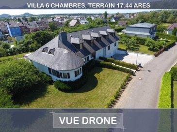 Magnifique villa de construction traditionnelle, bâtie en 2 phases (1991 et  2006) d'une surface de 310 M2 habitables, 6 chambres à coucher, 3 salles de bains, 1 Wc séparé, sur un terrain de 17.44 a, paysagé et piscinable, au clame, sans vis à vis.  Cette villa se compose:  Au rez-de-chaussée: - 1 véranda de 30 M2, chauffage par le sol, climatisée, avec store occultant automatique en toiture. - 1 belle terrasse de 30 M2 plein sud. - 1 living avec feu ouvert, 1 salle de billard, salon ouvert sous mezzanine 1 cuisine équipée complète, avec TV, rénovée en 2015 - 1 hall d'entrée - 1 WC séparé - 1 hall de nuit avec dressing - 2 chambres à coucher - 1 salle de bains complète, douche et baignoire - 1 petite suite privée comprenant 1 chambre à coucher avec sa salle de douche  A l'étage: - 1 suite parentale de 43 M2 - 1 chambre à coucher / bureau - 1 chambre à coucher - 1 salle de bains complète avec bains balnéo, toilette, bidet et douche  Sous-sol: (181.00 m2) - 1 garage pour 4 voitures, portes sectionnelles motorisées - 1 accès vers le jardin - 1 grande buanderie - 1 atelier - 1 cave à vin  Disponible de suite  Prix négociable  Bien exceptionnel et rare sur le marché.  Votre personne de contact est M. Rogowski Yves. Tél.: 00352 26 36 26 94 Mail: info@house-invest.lu  We speak English, Wir sprechen Deutsch