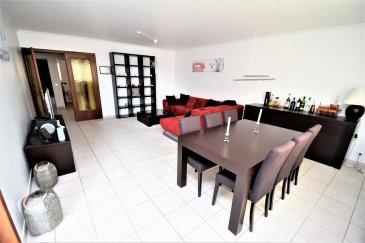 RE/MAX Select, spécialiste de l'immobilier à Esch-Sur-Alzette, vous propose à la location ce superbe appartement meublé comprenant:  - Hall d'entrée desservant toutes les pièces (1,374 m²)  - 2 chambres à coucher (19,088 m² / 13,926 m²) dont une avec un balcon de 2,607 m² - 1 cuisine équipée de 9,562 m² - 1 débarras - 1 salle d'eau avec WC, douche et vasque (5,411 m²) - Salon/salle à manger de 30,970 m² avec accès à une petite terrasse de 6,826 m²  Cet appartement est disponible meublé et comprend également une cave.  Location minimum de 12 mois et les animaux ne sont pas acceptés. NON FUMEURS