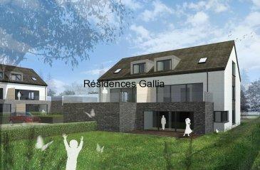 Niederanven  Résidences Gallia   Les résidences seront situées dans un quartier résidentiel rue de Munsbach à Niederanven.  Bloc A un appartement et deux duplex Bloc B deux appartements et deux duplex Situation idéale, à quelques minutes de l'aéroport du Findel, du plateau du Kirchberg et du centre-ville de Luxembourg. L'accès facile et rapide est garanti de l'Allemagne et du Luxembourg par l'autoroute A1. Le site est également desservi par les transports publics (bus, navettes).  La commune de Niederanven s'inscrit également dans une démarche de développement durable notamment avec le « pacte climat » pour l'énergie, la valorisation des déchets et la station biologique « Naturzenter SIAS » pour la protection de la nature et des paysages. Livraison fin 2019 début 2020 Catégorie Energétique ABA Installation électrique domotique Tous les prix s'entendent 3% TVA, sous réserve de l'autorisation de l'administration compétente, cave et emplacement intérieur et extérieur inclus. Pour plus de renseignements n'hésitez pas à contacter R. Klein Aexus Real estate Tel :+ 352 277 50 40 r.klein@aexus.lu www.aexus.lu  Ref agence :Gallia