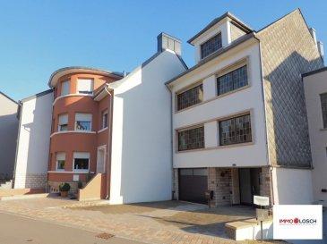 Maison à vendre dans une rue calme à Niederkorn   Description de la maison:  - 140m2 surface habitable - 1are85ca - Possibilité d'aménager 30m2 du grenier   RDCH - Hall d'entrée - Cave/Chambre - Garage - Chauffage au gaz  - WC séparé - Accès au jardin  - Jardin  - 2 emplacements extérieurs  1étage  - Hall - Salle à manger avec accès au balcon  - Cuisine - Salon - Balcon   2étage - Hall  - 3 chambres à coucher  - Sallle de bain   Grenier  - Chambre - Grenier à aménager  La maison est disponible de suite.  Veuillez trouver plus de photos et une visite virtuelle de la maison sur notre site www.immolosch.lu  Passeport énergétique en cours.   Ref agence :1213087