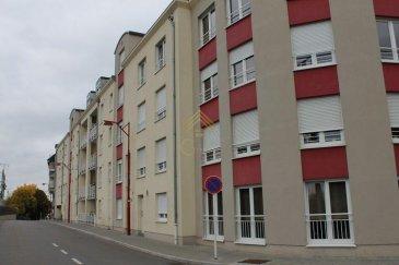 REAL G IMMO vous propose ce spacieux appartement de  /- 92m² dans une résidence construite en 2007 et idéalement situé à proximité des transports (Gare, Bus), école, commerces, banques et crèches.  Celui-ci se compose comme suit :  - Hall d'entrée, - salon et salle à manger avec sortie vers une terrasse de /- 54m², - cuisine équipée, - 1 Salle de bain et 1 salle de douche, - 2 chambres à coucher avec accès à la terrasse.  Un emplacement intérieur pour une voiture, un emplacement pour une moto/remorque, une cave, buanderie commune, local vélo complètent ce bien.  Pour plus de renseignements ou une visite (visites également possibles le samedi sur rdv), veuillez contacter le 28.66.39.1.  Les prix s'entendent frais d'agence de 3 % TVA 17 % inclus.  Ref agence :B73121