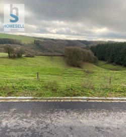 Sans contrat de construction<br>Prochainement en vente dans la commune de Putscheid un terrain à bâtir de 3,20ares pour la construction d\'une maison jumelée d\'une surface de +/- 220m².<br><br>Renseignements seulement par mail: info@homesell.lu<br><br>